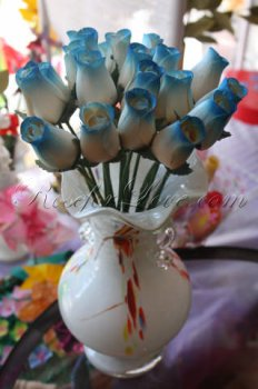 Bouquet of Wooden Rose White-Blue Buds