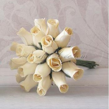 Wooden Rose White Throw Bouquet