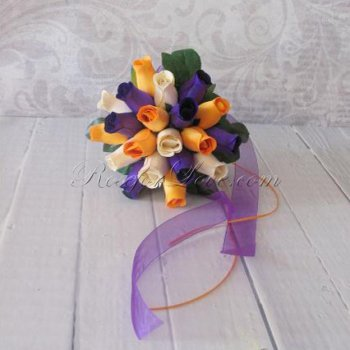 Wooden Rose Tri-Color Throw Bouquet
